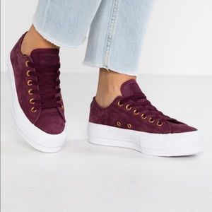 Converse Nubuck platform low rise maroon sneakers
